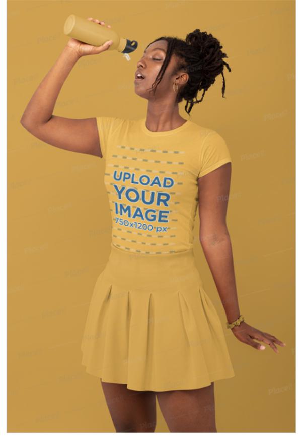 Monochromatic T-Shirt Mockup f a tylish Woman
